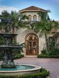 The designers at Custom Door Shop believe that a home's beauty begins at the front door. Hacienda Style Homes, Spanish Style Homes, Dream House Exterior, Dream House Plans, Dream Home Design, House Design, Dream Mansion, Transitional House, House Blueprints