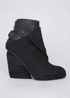[heels][heels][heels][heels 2013][heels 2013][high heels 2013][high heels 2013][heels shoes][heels shoes][heels and jeans][heels and jeans][heels and shorts][heels and shorts]