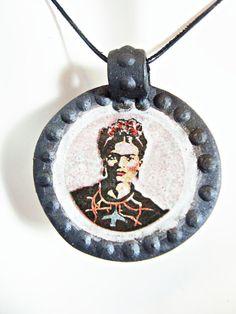 Frida Kahlo, Frida Kahlo jewelry, Frida Kahlo pendant, graffiti inspired, clay jewelry, original artwork, patterned design, ceramic jewelry, stencil design, twointhebush, Ilena Finocchi, ceramic pendant, clay pendant, famous women artists