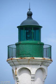 Photos of Saint-Valery-En-Caux light - AIS Marine Traffic