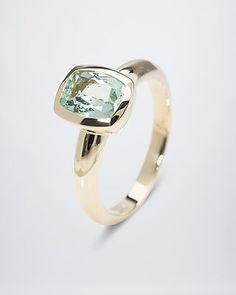Ring mit Paraiba-Turmalin - #edelstein #schmuck von #sognidoro #facettenreich mit #René #Conradt #sogni #doro #classic mit #Frank #Hartenberger #silberzeit mit #Ute #Wohlfart #colored #gemstone #jewelry