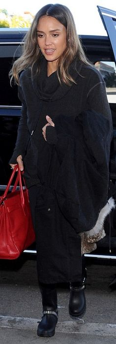 Who made  Jessica Alba's black boots, gray sweatshirt, and red tote handbag?