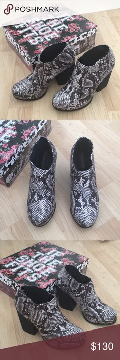 Jeffrey Campbell Yorktown snake ankle boots New! Comes with box Jeffrey Campbell Shoes Ankle Boots & Booties