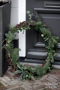 "Fotoalbum Kerst 2014 - www.artdelafleur7.nl Christmas , feston , festoen , blauwspar , fresh green , kerstmis , kerststuk "" Art de la fleur "" , Angelique Temmink Waalboer. , angels , xmas , hedra , deco , Natural ."