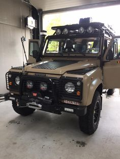 Land Rover Defender 110 Td5 Sw County adventure prepared.