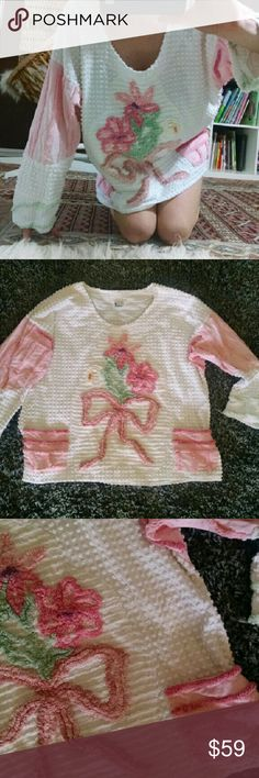 """Sweet Angelic Chenille Pullover Sweetest unique chenille pullover top By California originals by Kathryn, designer who uses vintage textiles to make pretty wearable art and this one is beyond adorable and comfortable.  Most angelic design on chenille AND front pockets One size fits many. Looks great oversized or would be cute more fitted Armpit 25"""" across. Length approx 26""""  Great preowned condition.  Boho angel free people vibes forever 21 urban outfitters kawaii Vintage Tops"""