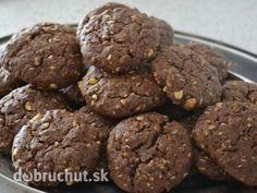 Fotorecept: Čokoládové cookies s ovsenými vločkami - Vhodné pre deti od 2 rokov. Z tohto množstva vyjdu asi 2 plné plechy. Sweet Recipes, Healthy Recipes, Muesli, Pavlova, Crinkles, Food And Drink, Easy Meals, Sweets, Cookies