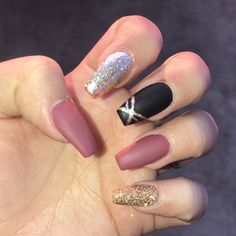 Semi-permanent varnish, false nails, patches: which manicure to choose? - My Nails Acrylic Nails Stiletto, Square Acrylic Nails, Coffin Nails Long, Summer Acrylic Nails, Acrylic Nail Designs, Nail Art Designs, Mauve Nails, Pink Nails, 3d Christmas