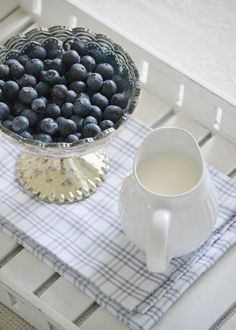 For the cereal of your choice! Blueberry Picking, Blueberry Farm, Blueberry Bushes, White Cottage, Cottage Chic, Farm Cottage, Raspberry, Strawberry, Blue Berry Muffins