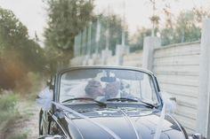 AnDphotography D+L wedding story #andphotography #weddingphotographer #wedding #justmarried #brideandgroom #vintagecar #kiss
