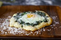 Spinach and egg pizette