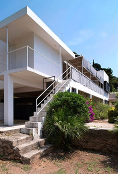 A slice of heaven: Eileen Gray's modernist masterpiece E1027 – in pictures