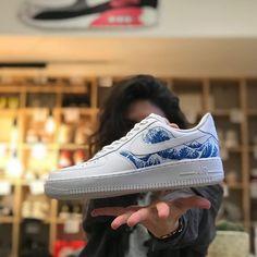 """5eb6f70e231dd L atelier de la basket on Instagram  """"Une petite paire de  nike airforce  customisée en l honneur Mr Hokusai 🌊 la grande vague de Kanagawa! !  👟🎨💪…"""""""