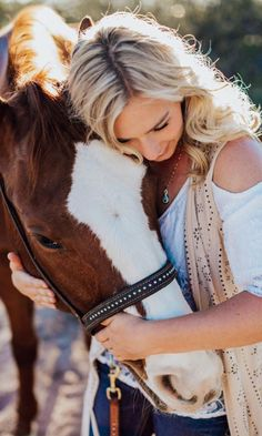 Equine Massage Therapy: The Key To Keeping Your Horse Healthy And Performance Ready - COWGIRL Magazine