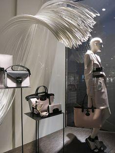 www.retailstorewindows.com: Longchamp, London