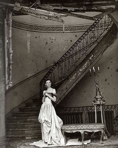 What a modern looking shot from 1947... Wenda Rogerson by Clifford Coffin.  Looks like a grand home in bomb hit London.... pictured for Vogue.. #oldphoto#photography#blackandwhitephotography#blackandwhite#icon#legend#milady#bomb#grand#london#vogue#normanparkinson#couture#haute#hautecouture#beautiful#london#fashion#vintagefashion#style#portrait#interior#interiordesign#wendarogerson#coffin#normanparkinson#1940s