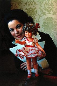 Shirley Temple Black 1973 | Gunslinger #5 | Flickr