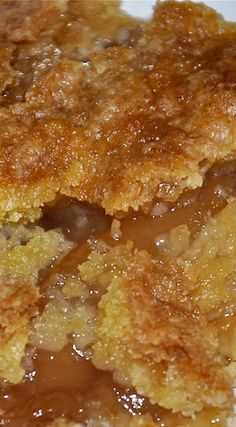 Easy Caramel Apple Cobbler Pairs perfectly with Late Harvest Riesling, and Sauternes.  #wine #winepairing