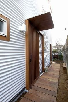 Corrugated Colour Sprayed Roof Sheeting used as House Cladding, Metal Cladding, Facade House, Farmhouse Architecture, Architecture Details, Clad Home, Cottage Style House Plans, Tin House, Casas Containers
