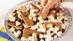 Prepare a sweet  treat anytime  in just 5 minutes with  graham crackers, marshmallows and  milk chocolate chips!