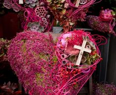 Casket Flowers, Christmas Wreaths, Deco, Condolences, Fall Pumpkins, All Saints Day, Christmas, Decor, Deko