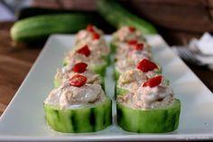 Pepinos rellenos de atún. Fácil de hacer, refrescante y saludable