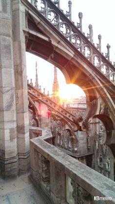 Tramonto tra le guglie del Duomo