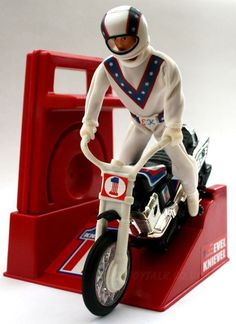 Vintage Evel Knievel stunt bike action-figure and crank-assisted people-powered motorcycle toy 1970s Childhood, My Childhood Memories, Childhood Toys, Sweet Memories, 1970s Toys, Retro Toys, 1980s, Vintage Toys 80s, Vintage Cartoon
