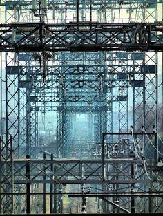 Gate by high voltage tower 西武多摩川線を覆う門型鉄塔 東京電力車返線