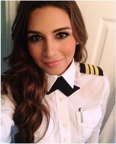 Good Gracious Are Those Eyes Magnificent! Airline Pilot, Carla Brown, Female Pilot, Hot Cheerleaders, Military Women, Girls Uniforms, Cabin Crew, Flight Attendant, Sexy Women