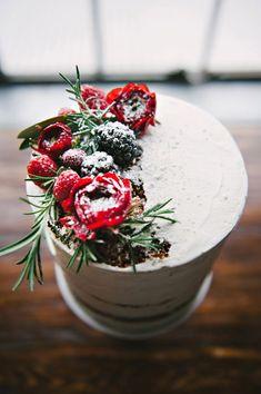 Fruit and flower cake topper Types Of Wedding Cakes, Types Of Cakes, Pretty Cakes, Beautiful Cakes, Bolo Nacked, Flower Cake Toppers, Flower Cakes, Naked Cakes, Celebration Cakes