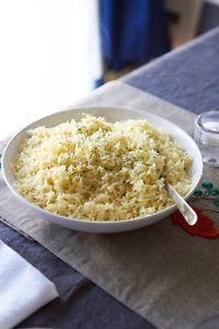 "Savory Butter Rice Reipe: Everyone always asks me.how do you make your rice taste SO GOOD? It started with my father-in-law, and then word spread like wildfire. "" Lauren makes really good rice"" It's a weird title to carry,. Side Dish Recipes, Dinner Recipes, Great Recipes, Favorite Recipes, Interesting Recipes, Poblano, Butter Rice, Food Dishes, Rice Dishes"