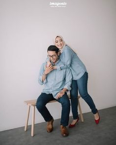 Holiday Photos Ideas Studio 38 Ideas For 2019 Pre Wedding Poses, Pre Wedding Shoot Ideas, Pre Wedding Photoshoot, Muslim Couple Photography, Foto Wedding, Korean Wedding, Wedding Memorial, How To Pose, Muslim Couples