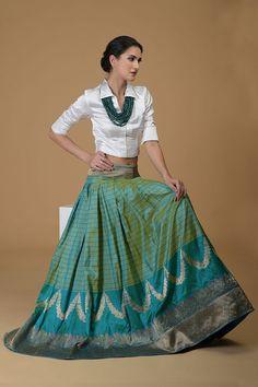 Dress Indian Style, Indian Fashion Dresses, Indian Outfits, Skirt Fashion, Fashion Outfits, Indian Wear, Indian Attire, Designer Dress For Men, Designer Party Wear Dresses