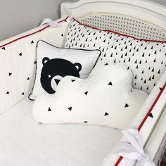 Estampas exclusivas e tecidos encorpados 100% algodão com tratamento anti-ácaros.  Peças avulsas e à pronta entrega para você montar um quarto lindo e cheio de personalidade