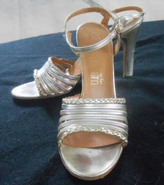 """14.00$  Buy here - http://vipnt.justgood.pw/vig/item.php?t=zs8yq320471 - Rayley LTD Gold & Silver Leather Evening Shoes 10N 4 1/2"""" heel"""
