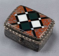 Victorian Silver and Scottish Agate Box | Sale Number 2510, Lot Number 91 | Skinner Auctioneers $444.00