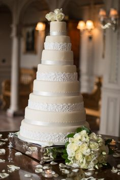 Beautiful flowers to dress the cake and stunning photograph taken by fabulous photographer