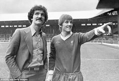 ♠ The History of Liverpool FC in pictures - Graeme Souness and Kenny Dalglish, January 1978 Ynwa Liverpool, Liverpool Legends, Liverpool Football Club, Graeme Souness, Bob Paisley, Kenny Dalglish, Eric Cantona, Celtic Fc, Retro Football