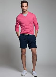 How to Wear Shorts For Men looks & outfits) Fashion Moda, Look Fashion, Mens Fashion, Fashion Menswear, Fashion Outfits, Summer Wear, Summer Outfits, Summer Winter, Men Summer