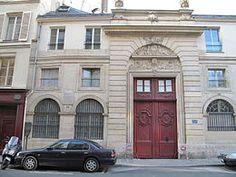Hôtel particulier (XVIIe) 120, rue du Bac Paris 75007. Chateaubriand y est mort en 1848.