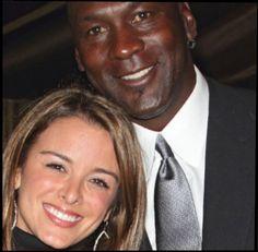 Dallas Cowboys cheerleaderit dating jalkapalloilijoiden