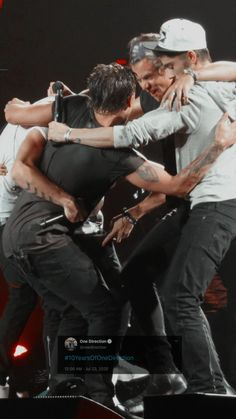 Grupo One Direction, Four One Direction, One Direction Posters, One Direction Images, One Direction Humor, One Direction Background, One Direction Lockscreen, One Direction Wallpaper, Liam Payne
