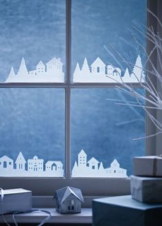 Simple Sweet Holiday Window Decorations