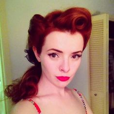 Fabulous 40s Hair Tutorials - This Pin-Up Hair Tutorial by Jane Aldridge is 40s-Inspired (GALLERY)
