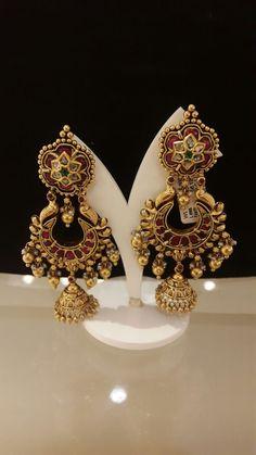 Ear rings Indian Wedding Jewelry, Bridal Jewelry, Beaded Jewelry, Gold Earrings For Women, Gold Earrings Designs, India Jewelry, Ear Rings, Designer Earrings, Runway Fashion