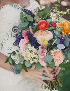 Today's wedding seriously proves that your ideas don't always have to perfectly match in order to create fun + whimsical (but still cohesive) look for your day.Laura + Jon describe theirwedding décor as 'organized chaos': think materials like yarn, wood, terracotta + twine mingling with wildflowers, boho furniture + lots of patterned textiles. Color was...