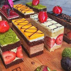 Mini Desserts For Parties Shot Glasses Baking Recipes, Cake Recipes, Dessert Recipes, Mini Cakes, Cupcake Cakes, Cupcakes, Fruit Cakes, Gateau Cake, Kolaci I Torte