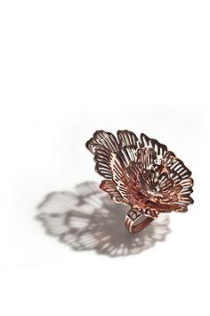 Germaine Fung_Tenacia_Rose gold-plated copper, & fabricated 4 x 5.5 x 5.5cm