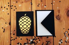 'golden pinecone' greeting card, winter, christmas, grußkarte, black, gold, handmade Etsy-Shop https://www.etsy.com/de/listing/549583752/golden-pinecone-greeting-card
